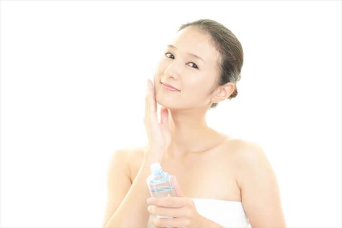 化粧水は「さっぱり」を選ぶべき?