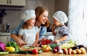 子供の五感を育てよう!ママと一緒に作るおかずとスイーツ15選