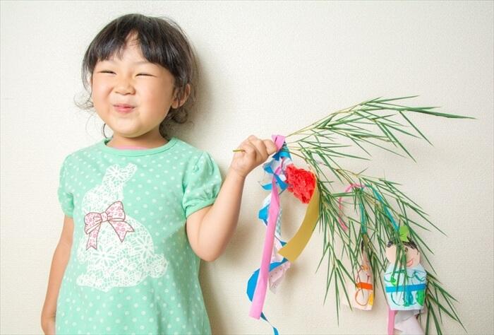 七夕(たなばた)って何?なぜ笹を飾るの?子供に伝えたい風習と由来